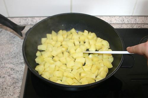 31 - Kartoffelwürfel anbraten / Fry potato dices