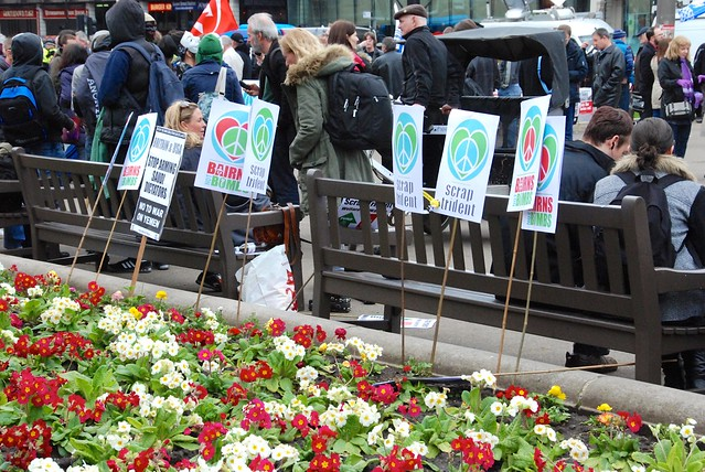 Planted placards