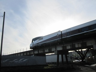 The cab car of a southbound Cascades zips overhead as I cross under the SP's Oregon City viaduct