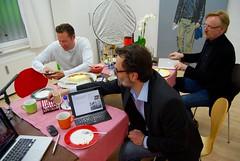 Netzökonomie-Campus mit Käsekuchen in kunstvoller Umgebung #nöchn