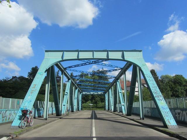 Heute ist auch Brückentag :)