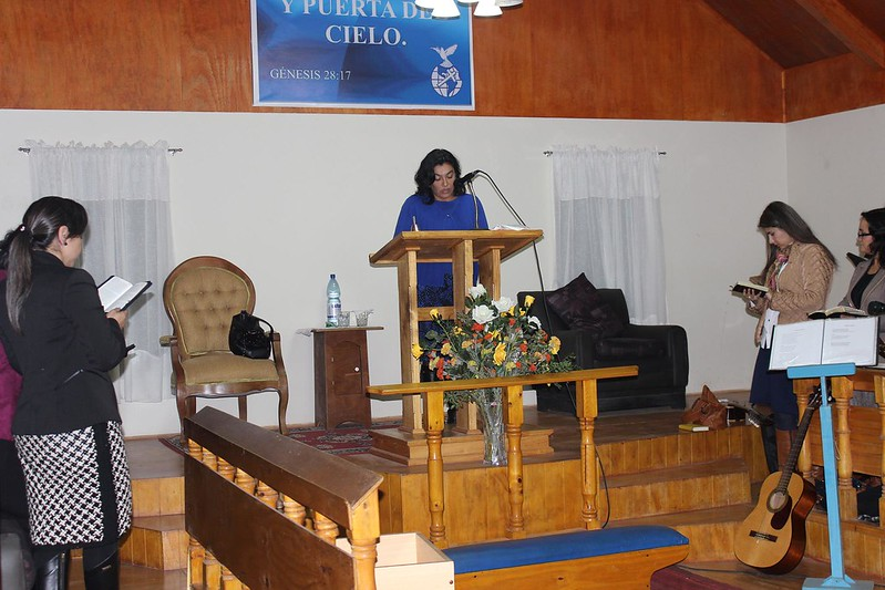 Dorcas de Tomé son bendecidas en media vigilia