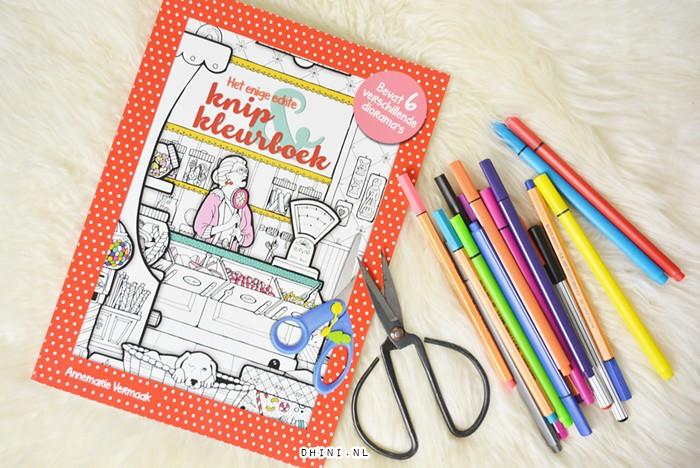 Knip kleurboek