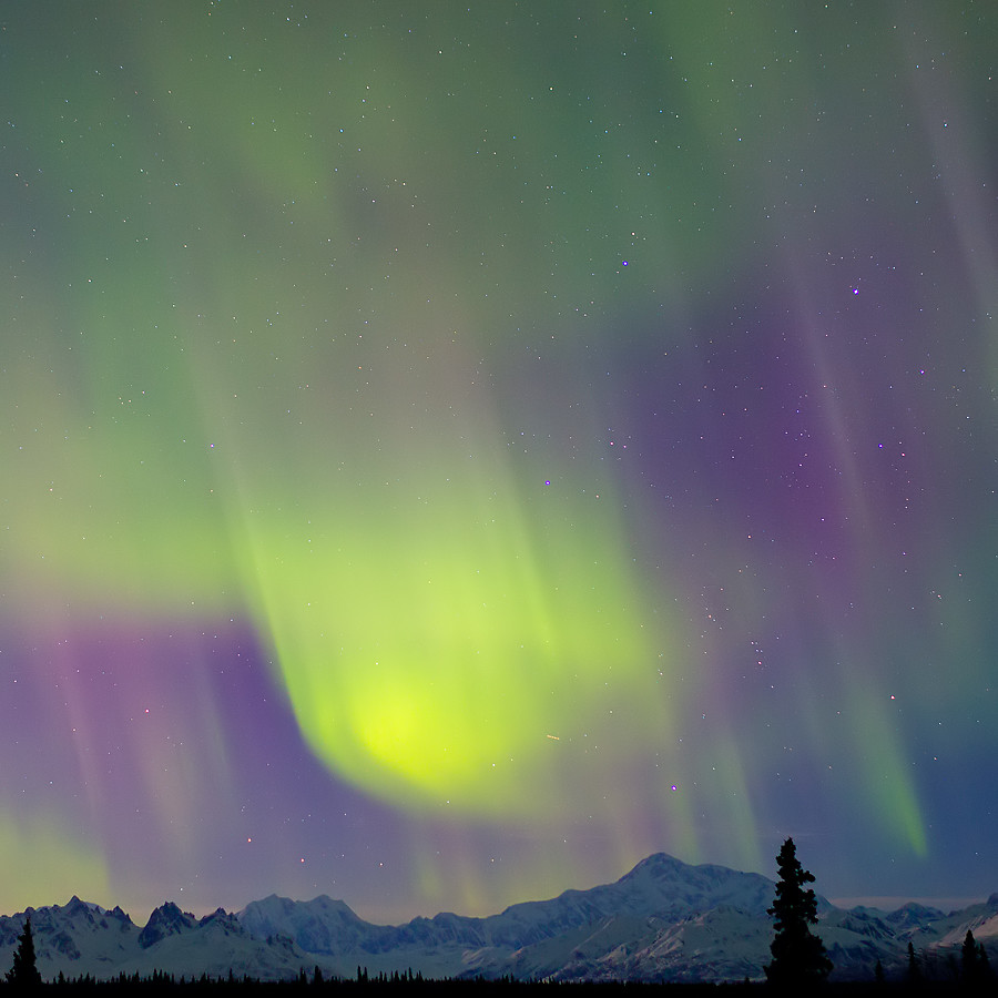 Impressive Northern Lights in Alaska