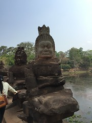 Angkor Thom south bridge