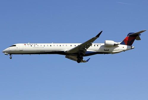 Aircraft (CRJ9) silhouette