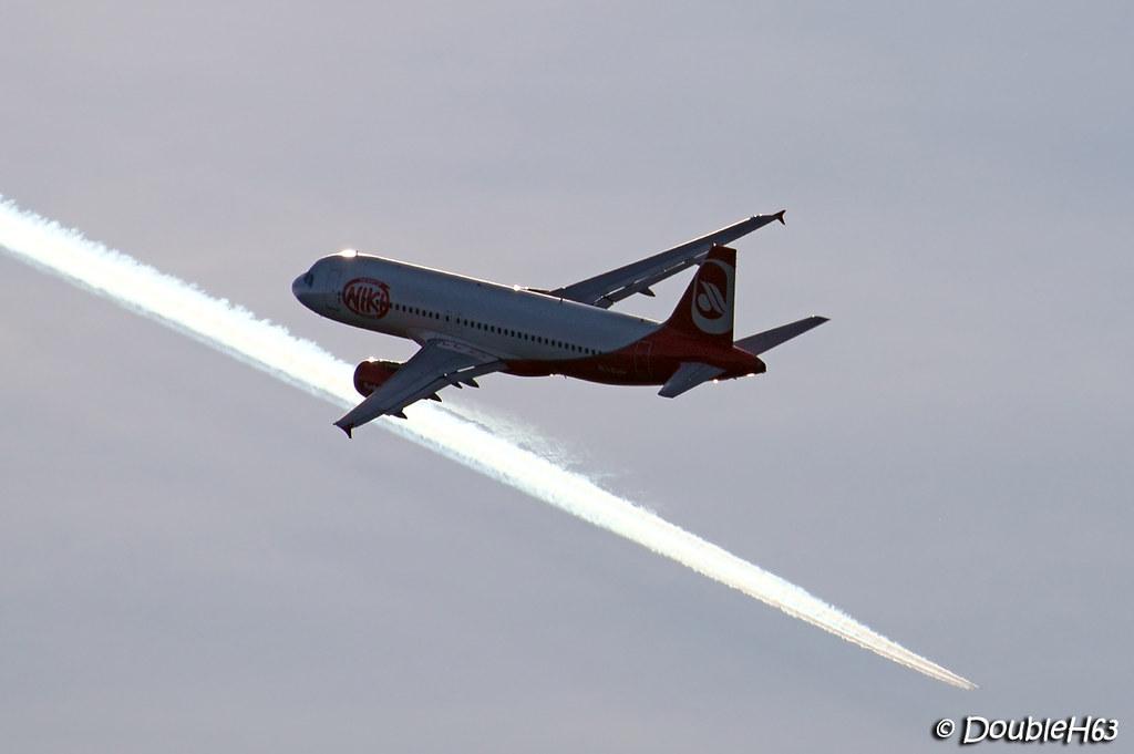 OE-LEU A320 NLY CFE