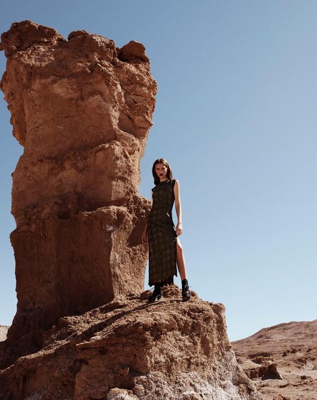 Sabina-Lobova-Vogue-Mexico-Angelo-DAgostino-07-620x782