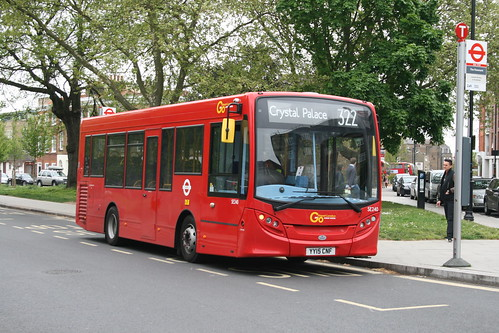 London General SE240 on Route 322, Clapham Common Old Town