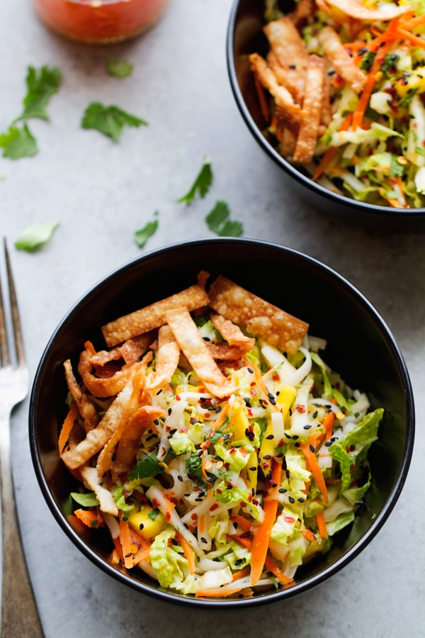 Vietnamese Chicken Salad with Mangoes - A super easy salad that is so delicious. Seriously the best! #chickensalad #vietnamesesalad #ricenoodlesalad | Littlespicejar.com