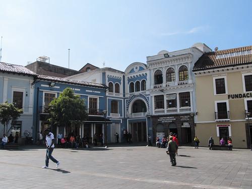 Quito: el Plaza del Teatro Nacional
