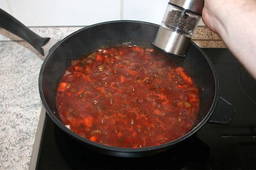40 - Sauce mit Salz & Pfeffer abschmecken / Taste sauce with salt & pepper