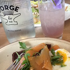 Sexy late lunch @forgeandco talking to @depopmarket about the @1ndependent15 #lcf show. Exciting things coming up! #ual #heartarts