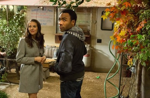 Alison-Brie-Donald-Glover-Community