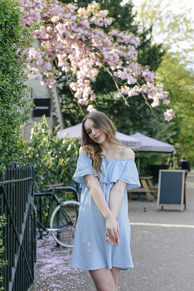 What Olivia Did Denim Dress Seventies Style
