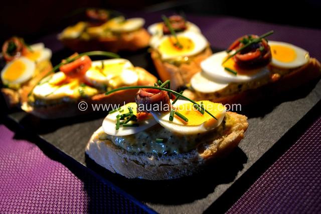 Tartine aux Oeufs  & Anchois sur  Mayonnaise d'Asperges © Ana Luthi  Tous droits réservés 025