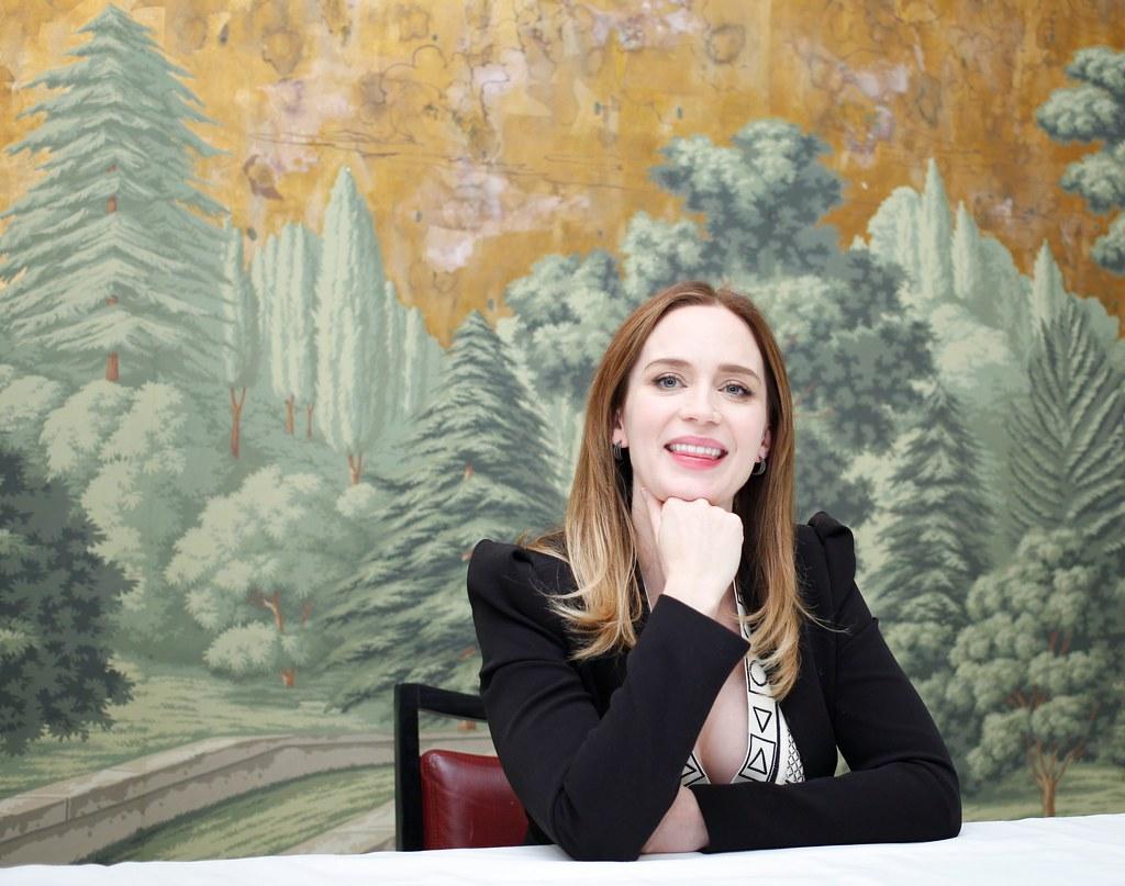 Эмили Блант — Пресс-конференция «Белоснежка и Охотник 2» 2016 – 9