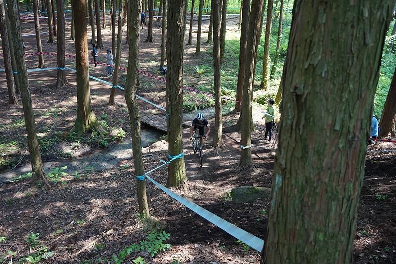 白州の森 バイクロア2