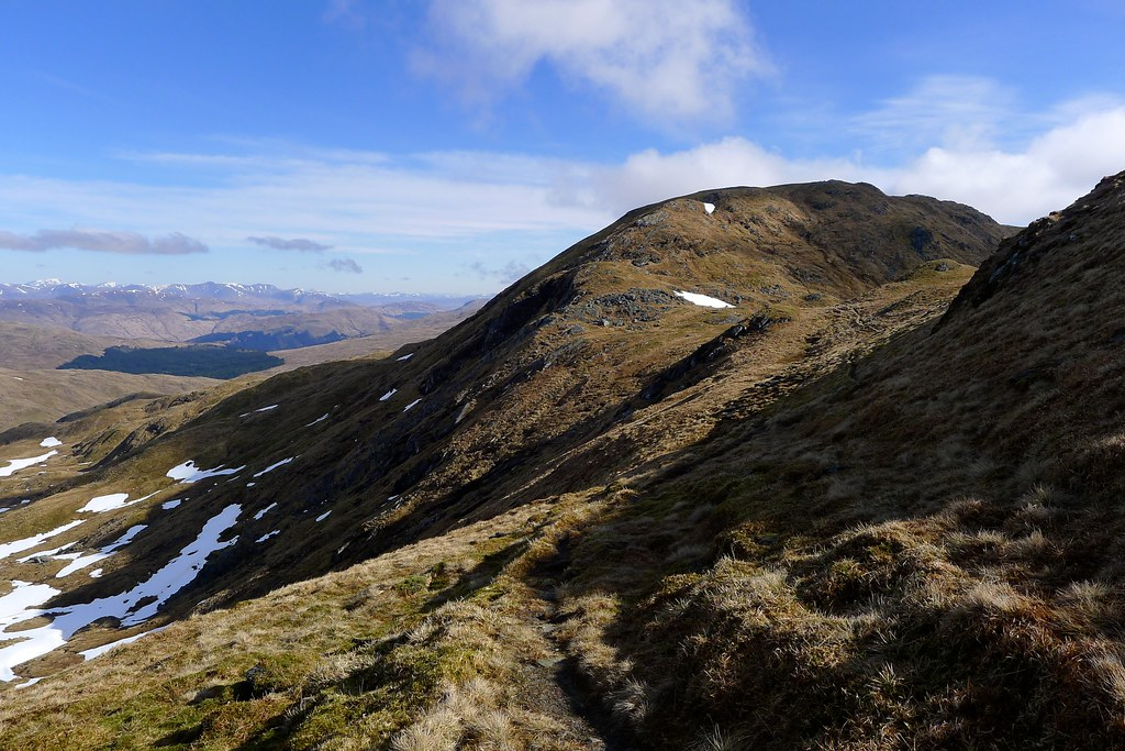 Approaching the north top of Beinn Bhuidhe