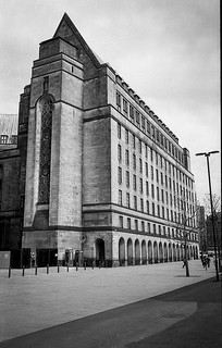 building next to Manchester library