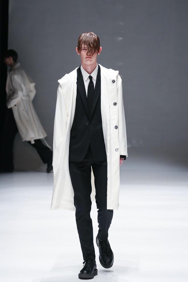 Robbie McKinnon3075_FW15 Tokyo DRESSEDUNDRESSED(fashionsnap.com)