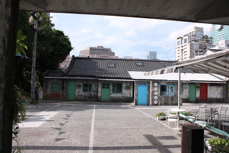 17度C大陸沙發客-TAIPEI-101四四南村-好丘 (53)