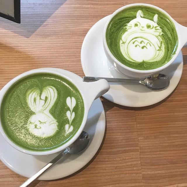 Totoro and bunny matcha latte art by Haruna Murayama