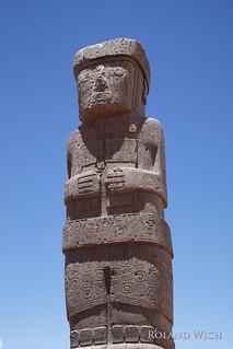 "Tiwanaku - Statue ""El Fraile"""