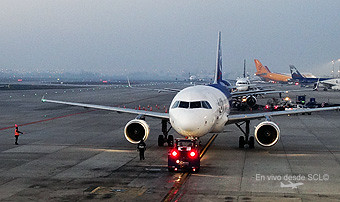 LAN A320 push back (RD)