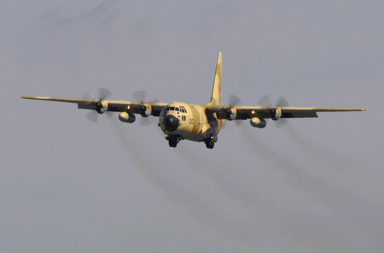FRA: Photos d'avions de transport - Page 22 17136953715_1d5a3e4ffb_o