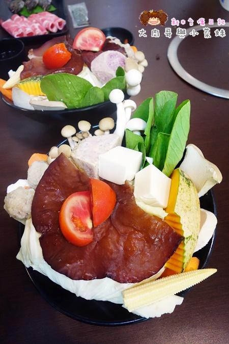 菇菇茶米館火鍋 (2).JPG