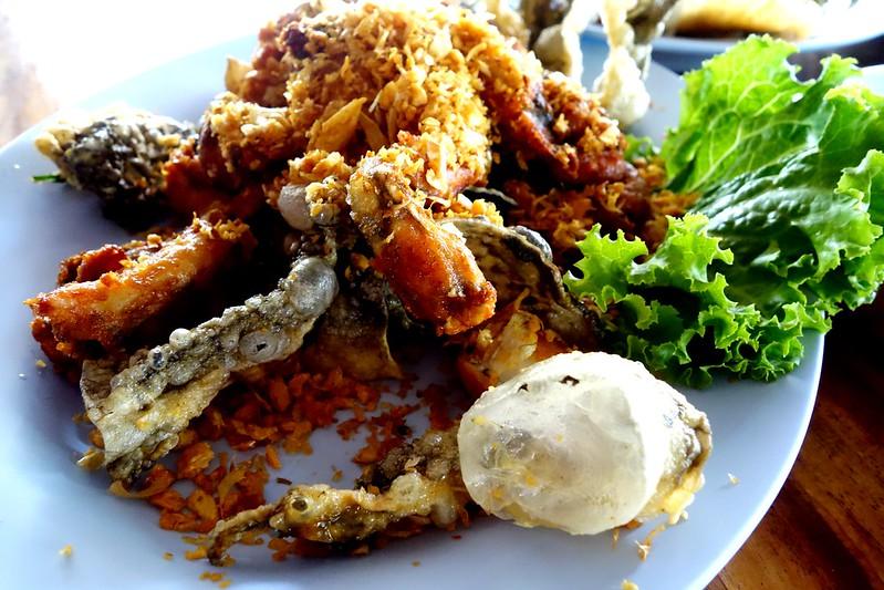 【泰國,美食】食尚玩家推薦美食&公主的私房餐廳,桂河大橋附近的青蛙王子餐廳 (ครัวอนงค์ อ่านต่อได้ที่)。