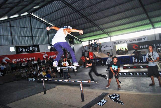 18. Skateboard tricks by skateboard.com.au