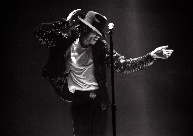 Майкл Джексон - фото на сцене