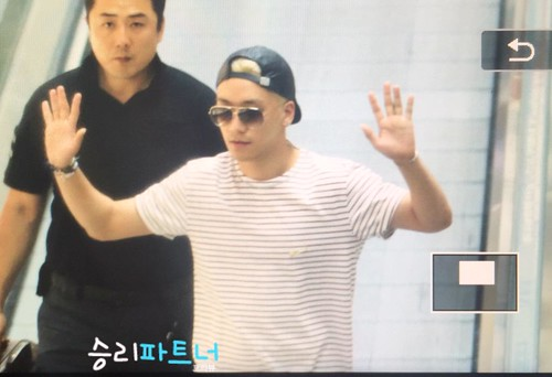 Big Bang - Incheon Airport - 29may2015 - Seung Ri - Partnervi - 02