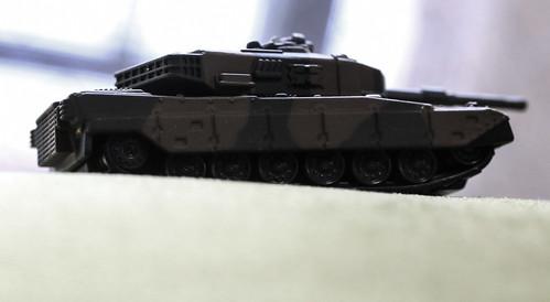 トミカプレミアム 90式戦車_04