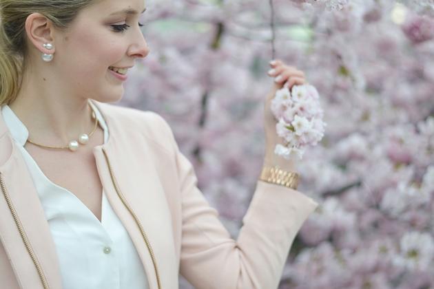 Eugli Outfit OOTD Look LOTD Fashionblogger Liebeskind Kirschblüten Frühlingslook