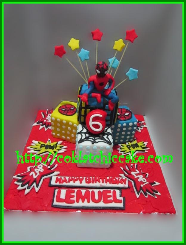 Miniature cake Spiderman