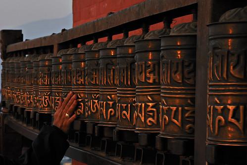 nepal sunrise alba prayerwheel kathmandu swayambhunathtemple