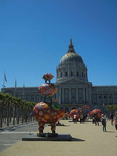 DSCN3175 - Fancy Animal Carnival by Taiwanese artist Hung Yi (洪易) at SF Civic Center