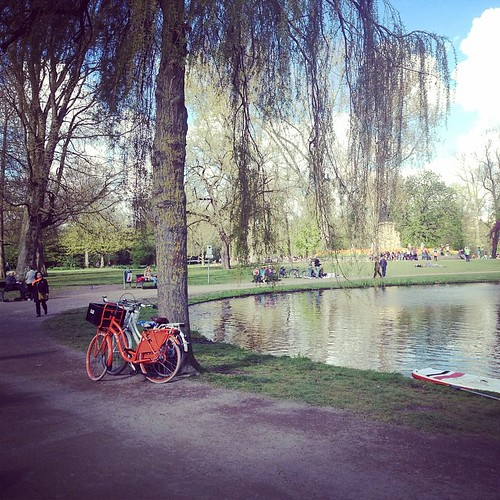 Was a nice day, sunny as always, see u next year all orange dutchies #Dutch #orange #vondelpark #amsterdam #cyclechic #kingsday #koningsdag #qday #acitymadebypeople