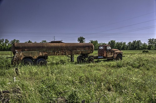 abandoned rusty trucks rustycars