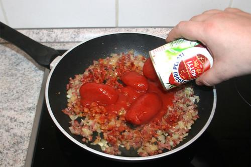 24 - Mit Tomaten ablöschen / Deglaze with tomatoes