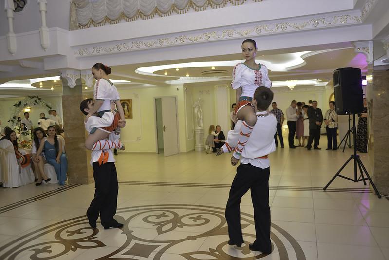 """Show ballet  """"Dance-Time"""" / Lecții de dans pentru miri"""
