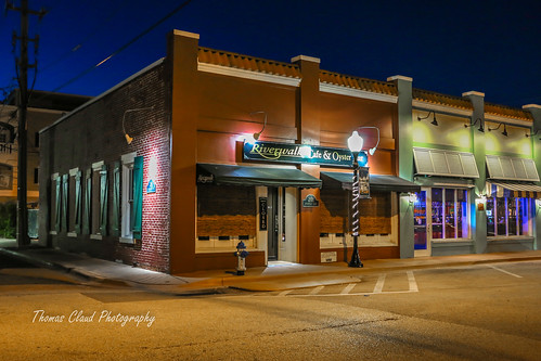urban usa night landscape restaurant downtown nightshot florida stuart