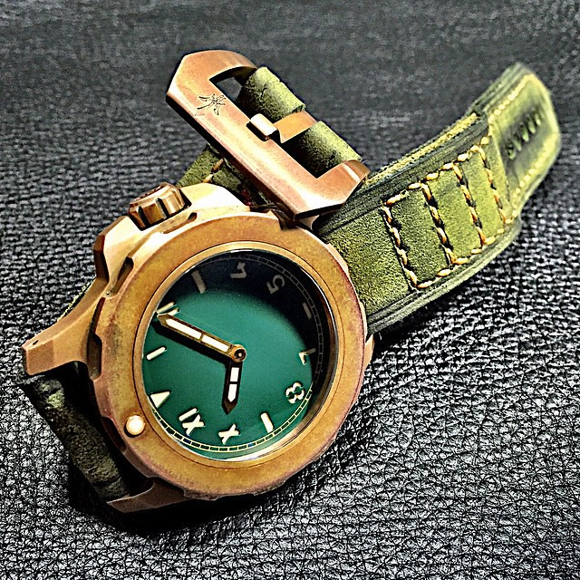 Heroic 18 bronze diver forced patina and the perfect strap - Bronze dive watch ...