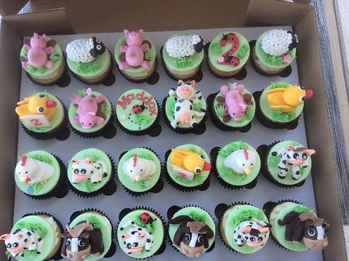 Farmyard animal cupcakes
