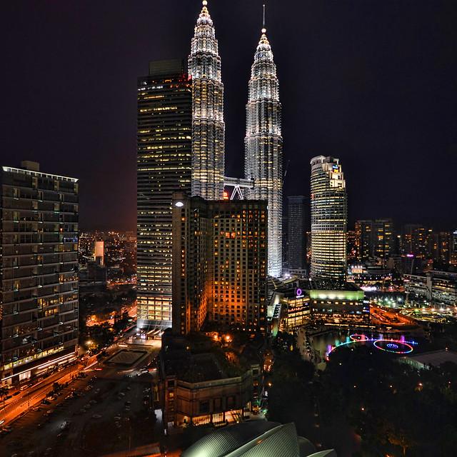 petronas towers kuala lumpur, malaysia, fountains, grand hyatt