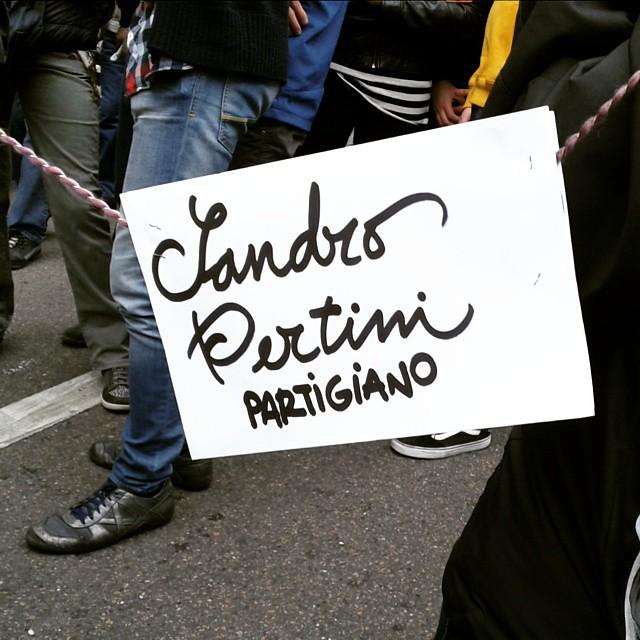 Gente in corteoik #25aprile #sentinellidimilano