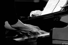 classical music, keyboard player, musician, white, pianist, piano, musical keyboard, keyboard, music, jazz pianist, monochrome photography, monochrome, black-and-white, person, black,